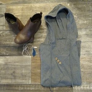 ✨Grey pullover with bottons✨